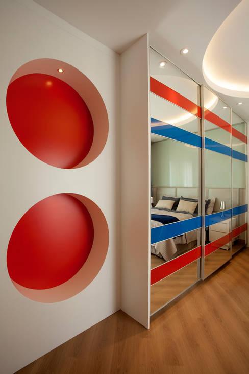 Nursery/kid's room by Designer de Interiores e Paisagista Iara Kílaris