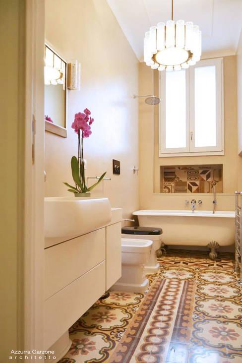 Bathroom by Azzurra Garzone architetto