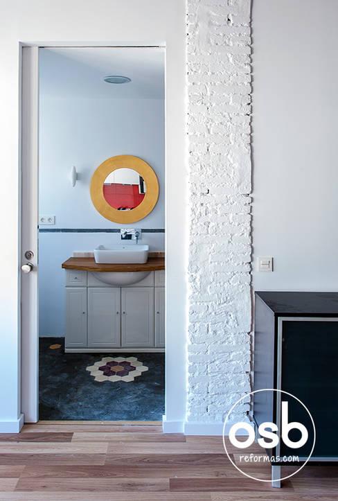 Bathroom by osb reformas
