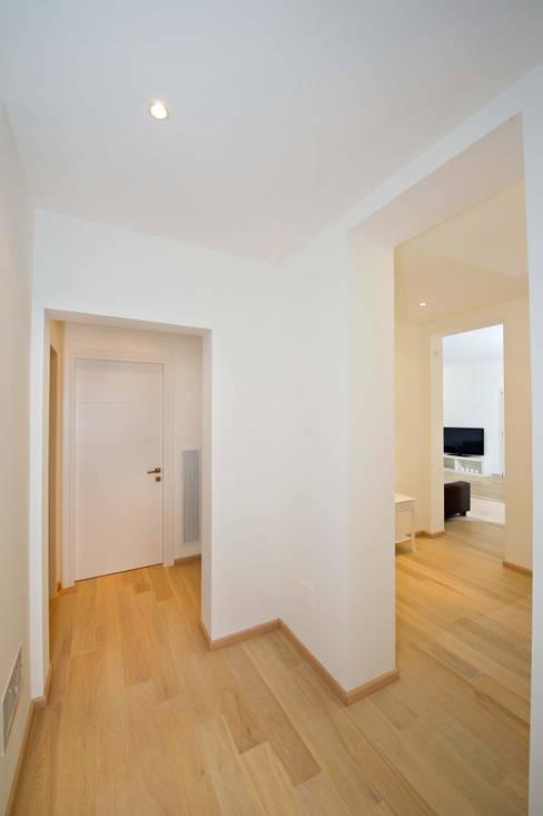 Corridor & hallway by Giuseppina PIZZO