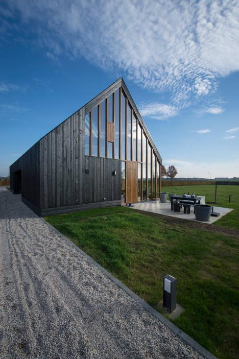 Projekty,  Domy zaprojektowane przez Zwarthout Shou Sugi Ban