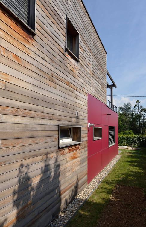 Houses by HELENE LAMBOLEY ARCHITECTE DPLG