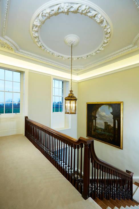 Georgian Country House:  Corridor & hallway by Etons of Bath
