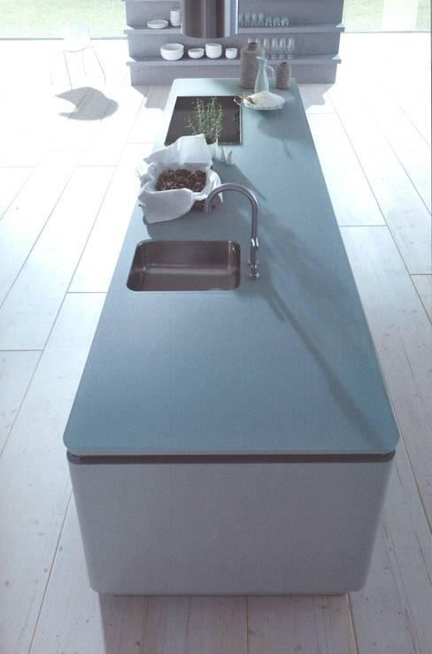 NX502 steengrijs matlak :  Keuken door Eiland de Wild Keukens