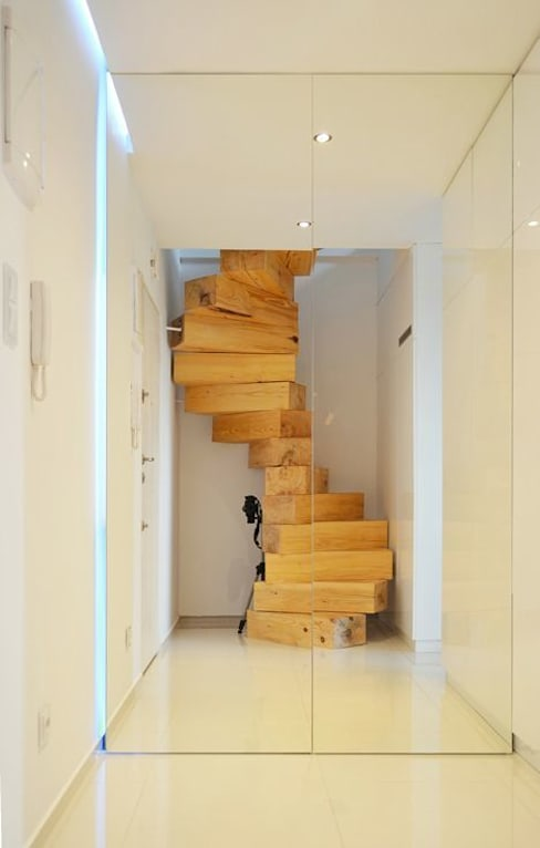 Masif Panel Çözümleri - Serender Ahşap Dekorasyon – Ahşap Merdiven Uygulaması:  tarz Koridor ve Hol