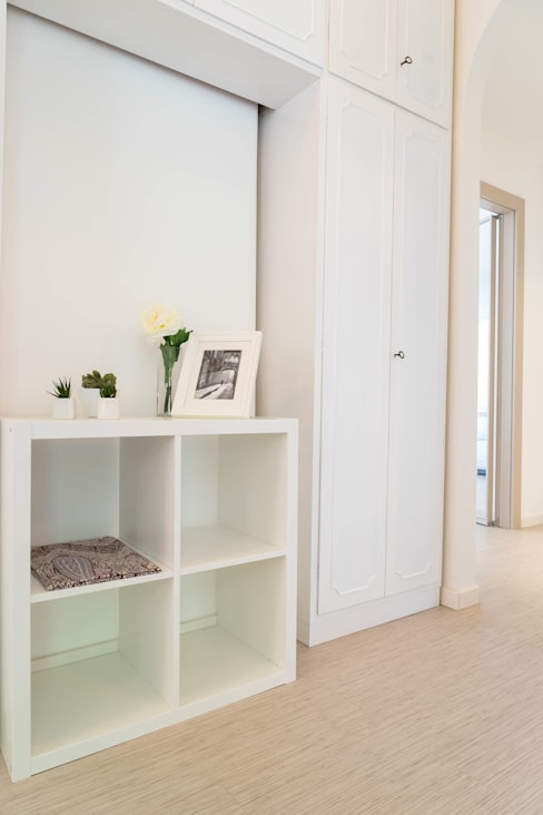 Pasillos y vestíbulos de estilo  de Francesca Greco  - HOME|Philosophy
