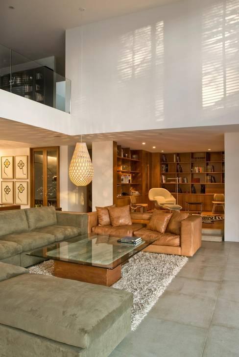 Projekty,  Salon zaprojektowane przez Alvaro Moragrega / arquitecto