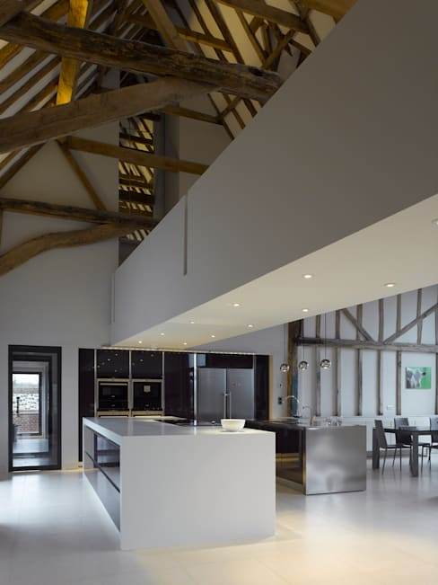Kitchen by Hudson Architects