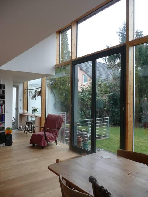 Living room by waldorfplan architekten