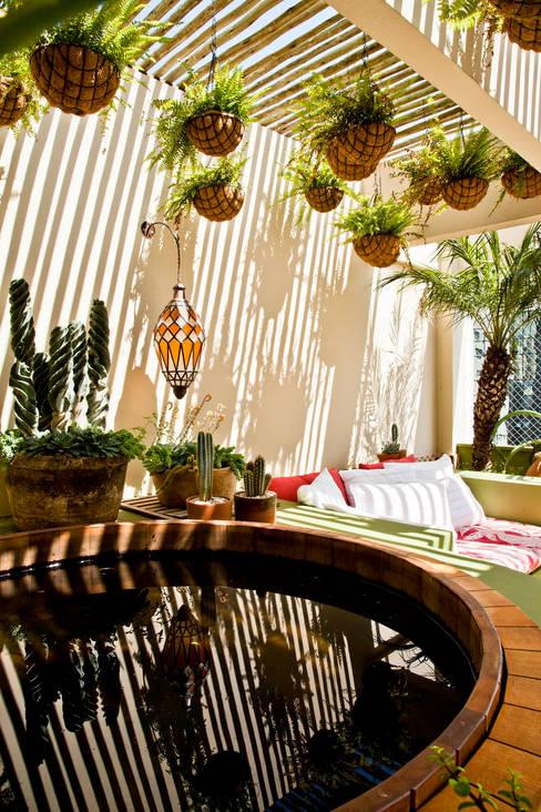 Apartamento Bairro de Higienópolis: Jardins  por CARMELLO ARQUITETURA