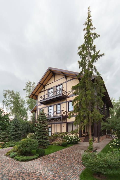 Houses by дизайн-студия ZE-MOOV