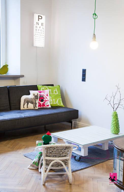 Living room by Pink Pug Design Interior