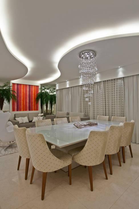 餐廳 by Designer de Interiores e Paisagista Iara Kílaris