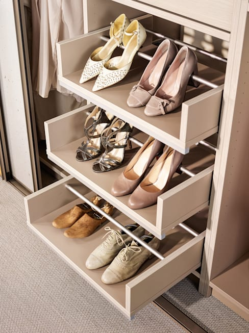 Dressing room by CABINET