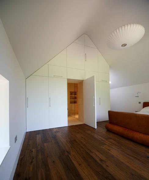 Hall + Bednarczyk Architectsが手掛けた寝室