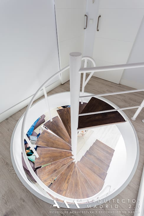 Projekty,  Korytarz, przedpokój zaprojektowane przez Arquitectos Madrid 2.0