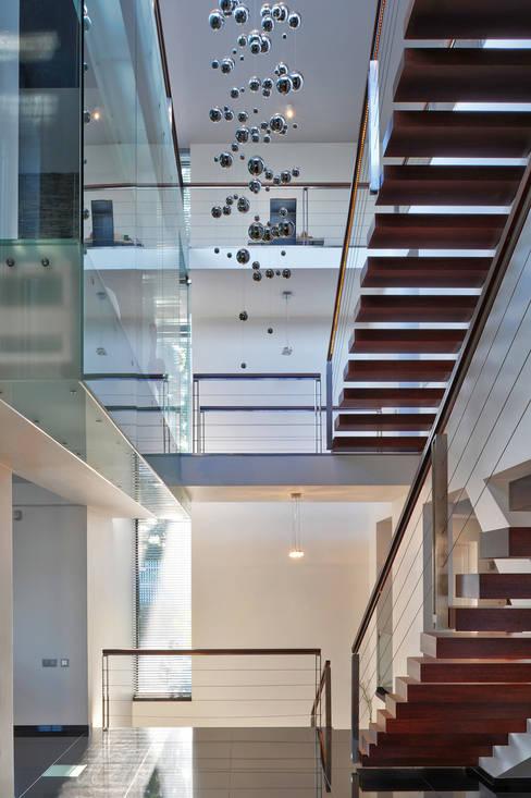 Corridor & hallway by RS+ Robert Skitek