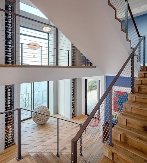 Ingresso & Corridoio in stile  di Specht Architects