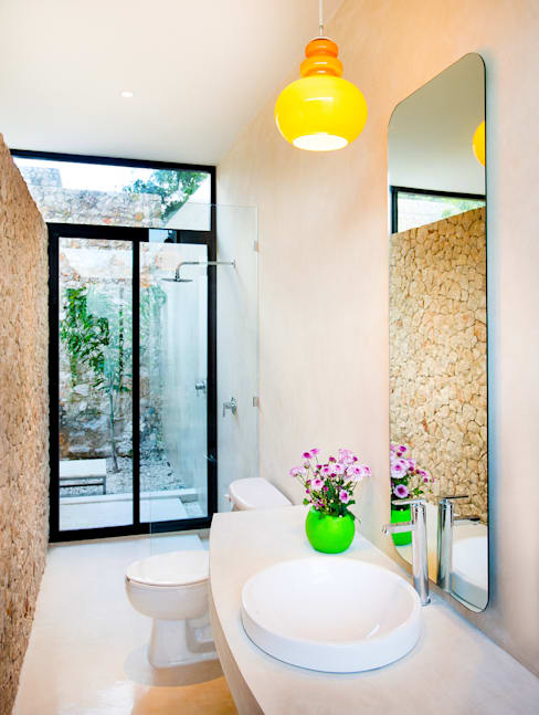 Projekty,  Łazienka zaprojektowane przez Taller Estilo Arquitectura
