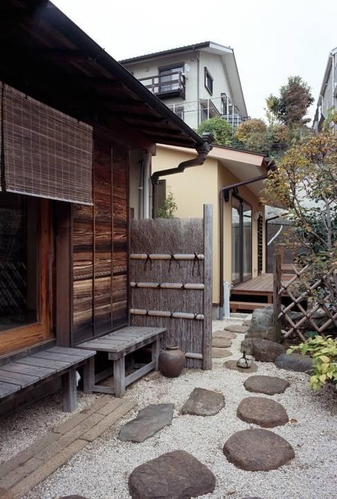 Houses by 忘蹄庵建築設計室