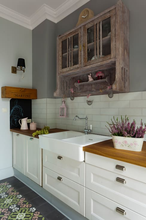 Kitchen by MOCOLOCCO