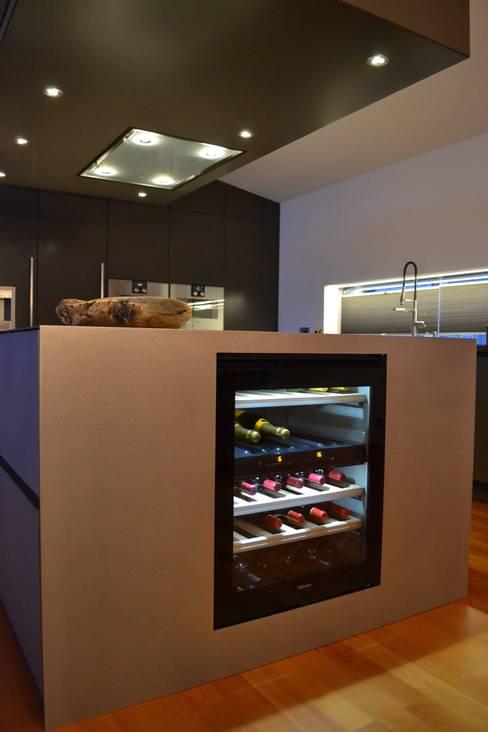 Kitchen by Wohn- und Küchendesign Meyer GmbH