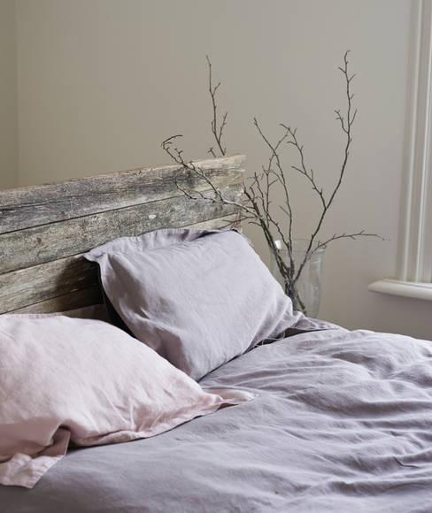Dormitorios de estilo  de brush64