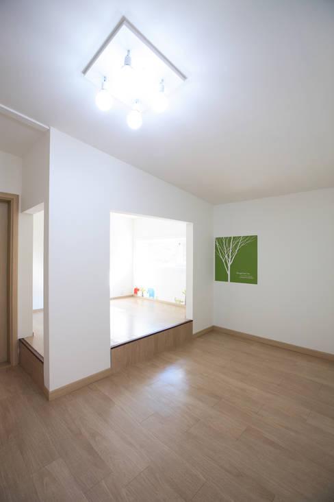 가족객실: 주택설계전문 디자인그룹 홈스타일토토의  침실