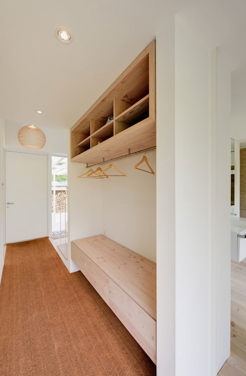 Corridor, hallway & stairs by Möhring Architekten