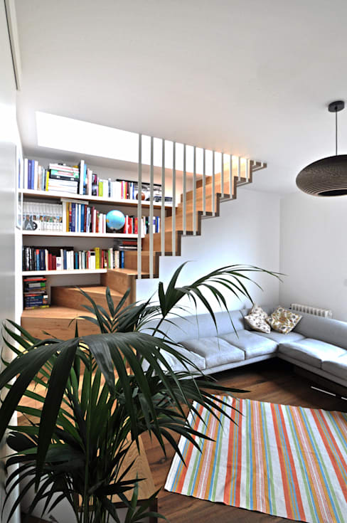 Living room by E2 Architecture + Interiors