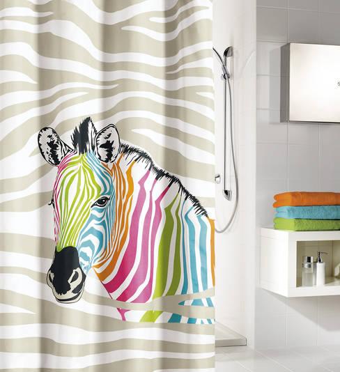 Zèbre multicolore: Salle de bain de style  par Salle de Bains Déco.com