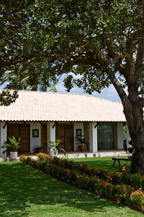 Terrazas de estilo  por Renato Teles Arquitetura
