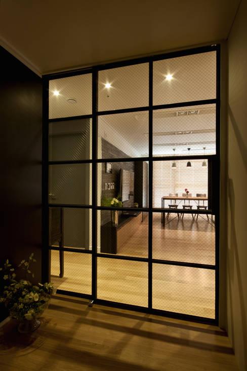 디자인투플라이が手掛けた廊下 & 玄関