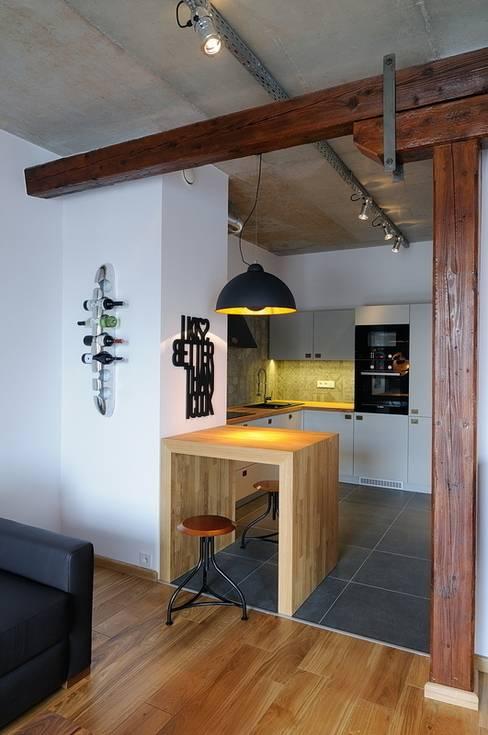 Küche von ARTEMA  PRACOWANIA ARCHITEKTURY  WNĘTRZ