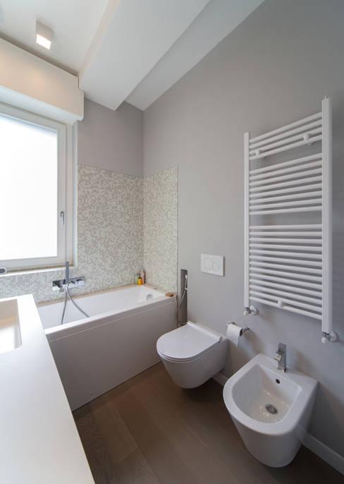 Bathroom by ristrutturami