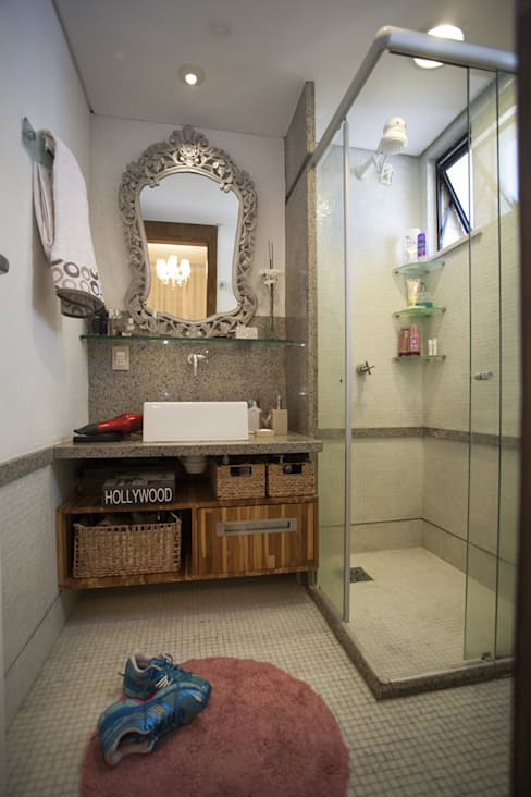 Bathroom by POCHE ARQUITETURA