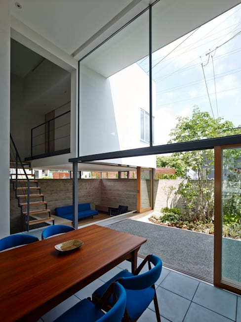Casas de estilo  por 小野里信建築アトリエ