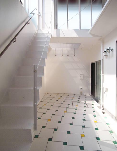 ระเบียง, นอกชาน by ユミラ建築設計室