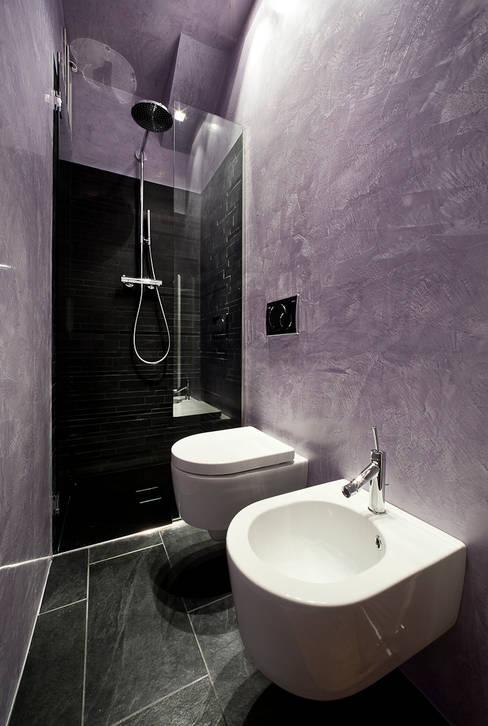 浴室 by 23bassi studio di architettura