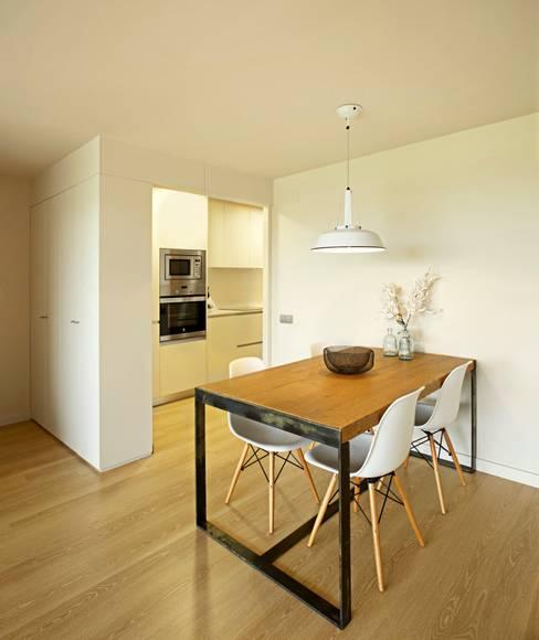Apartamento MS: Comedores de estilo  de costa+dos