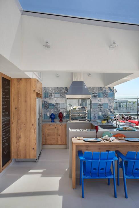 Patios & Decks by Ana Adriano Design de Interiores