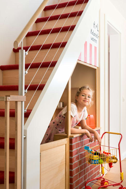 Corridor, hallway & stairs by uniQ