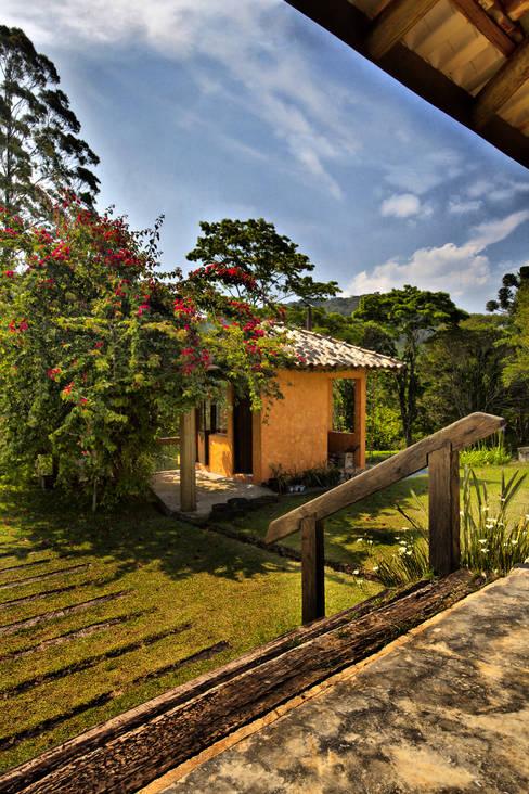São Lourenço da Serra/SP: Casas  por Bianka Mugnatto Design de Interiores