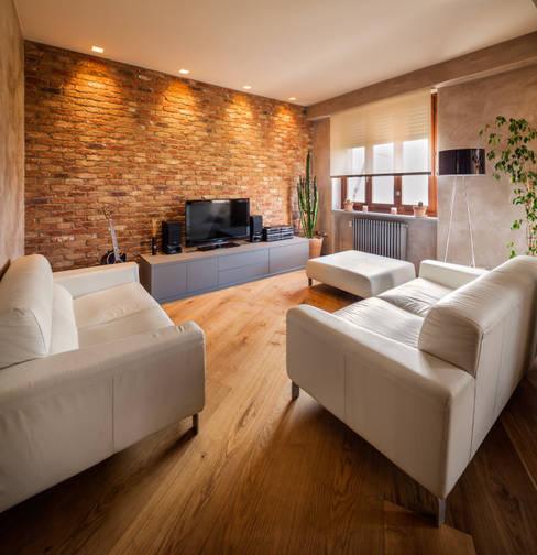 Salas / recibidores de estilo  por AMlab