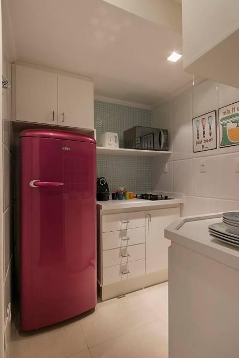 Apartamento Jardins: Cozinhas  por Cactus Arquitetura e Urbanismo