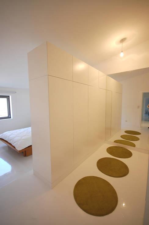 Dressing room by Borges de Macedo, Arquitectura.