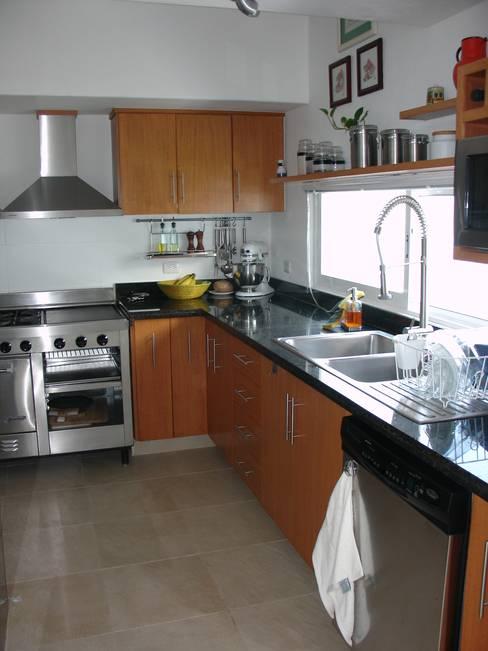 Cocinas de estilo  por A2 HOMES SA DE CV