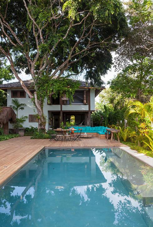 Fachada interna: Casas  por Vida de Vila