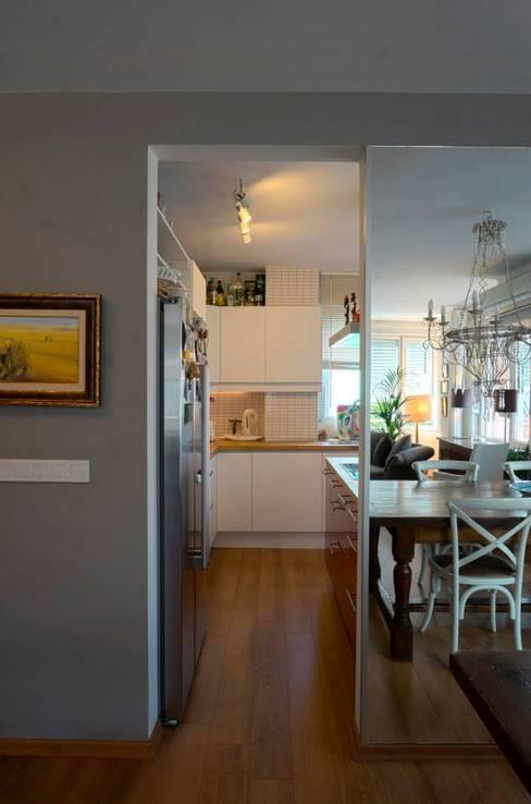 Bozantı Mimarlık – Kalamış'ta Ev:  tarz Mutfak