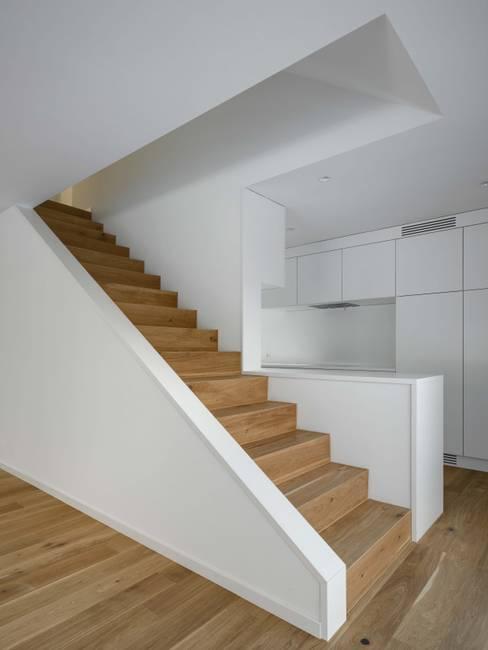 غرفة المعيشة تنفيذ phalt Architekten AG